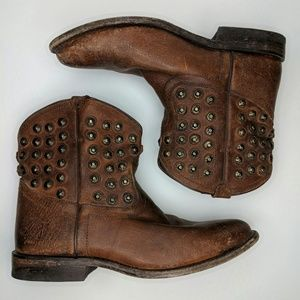 Frye Wyatt Disc Studded Short Cowboy Boot 8